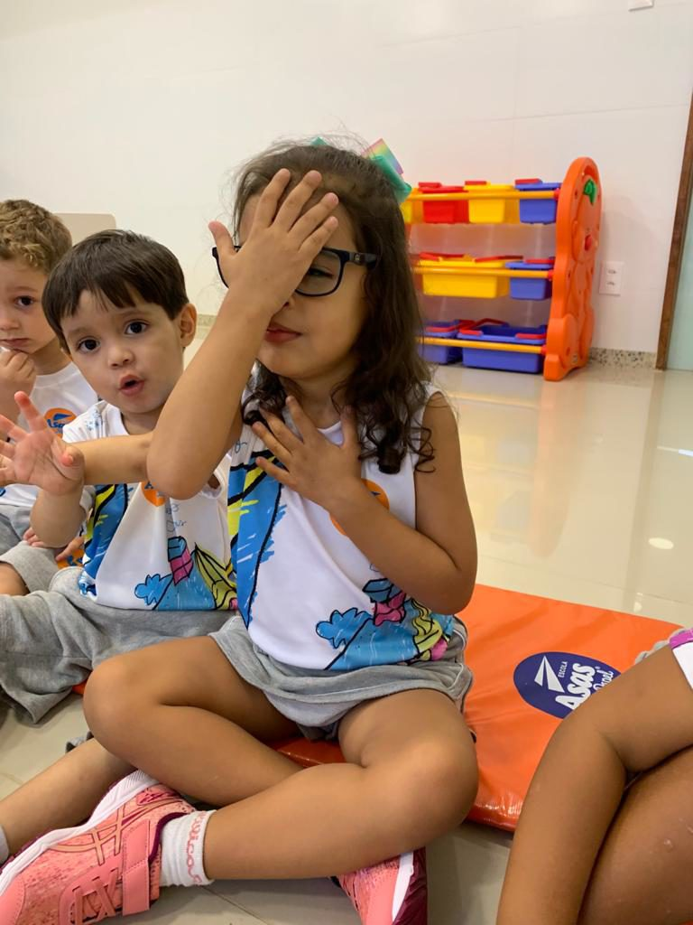 Musicalização Infantil é um processo de sensibilização, socialização e criatividade que ocorre durante a infância.